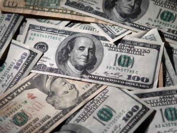 Курс доллара сегодня, 1 октября 2015, впервые за две недели упал ниже 65 рублей на бирже