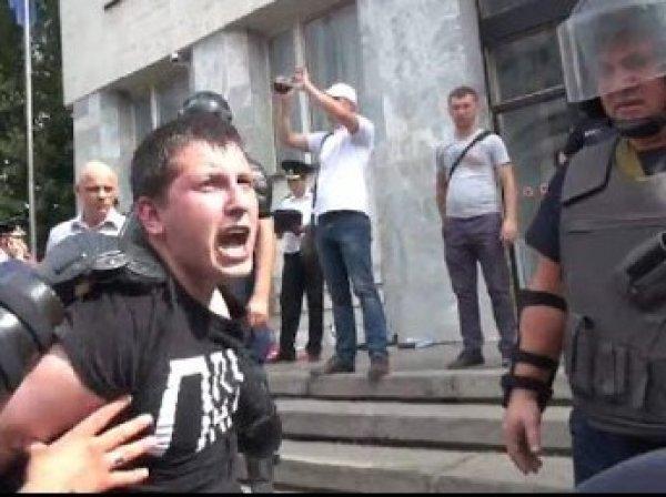 Протестующие в Кишиневе объявили об акции неповиновения