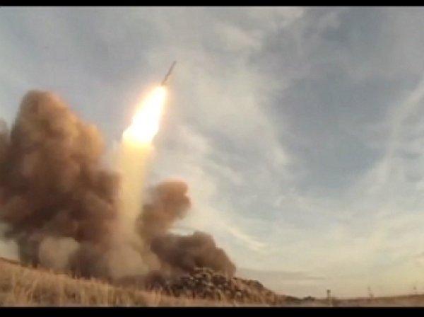 Россия запустила ракеты одновременно с земли, воды и воздуха (видео)