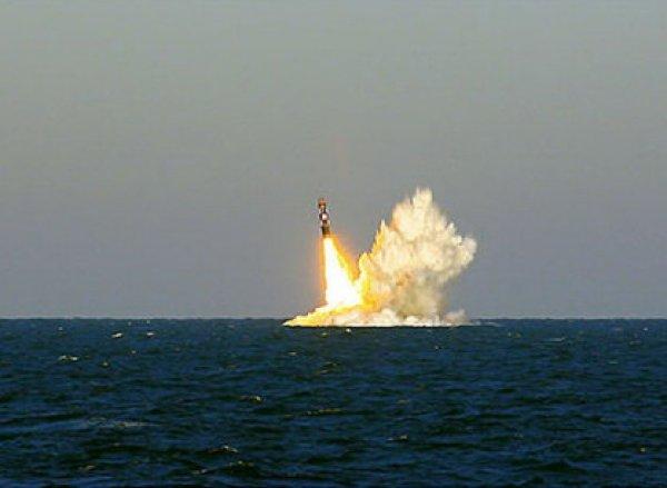 С АПЛ «Владимир Мономах» успешно произвели запуск сразу двух ракет «Булава» (видео)