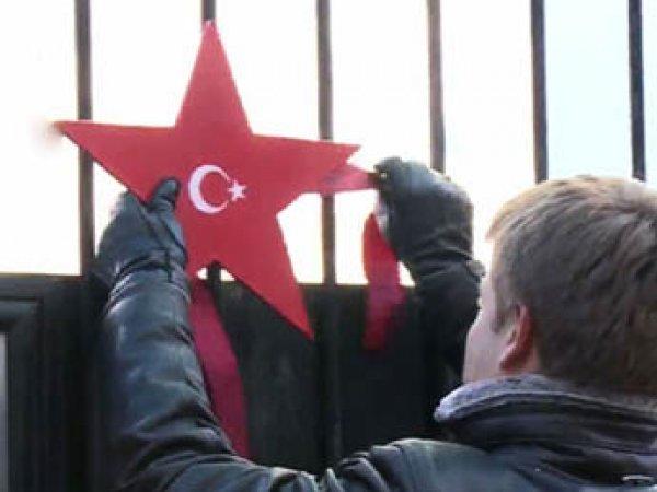 На Украине турецкого пилота наградили звездой за сбитый Су-24