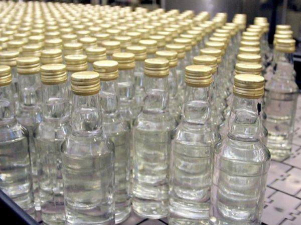 В Красноярске 3 человека погибли, отравившись купленным в Интернете поддельным алкоголем