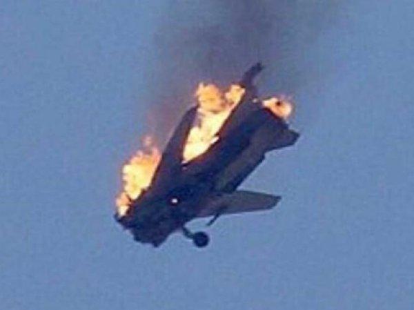 Сбитый российский самолёт в Сирии: СМИ сообщили о гибели одного из летчиков сбитого Су-24 (видео)