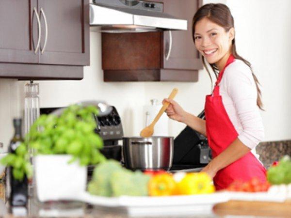 Ученые: приготовление пищи может быть опасно для женского здоровья