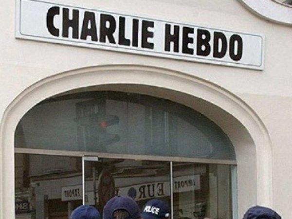 """Карикатуры """"Шарли Эбдо"""" на упавший самолет: Главред Charlie Hebdo ответил на обвинения Кремля в кощунстве"""