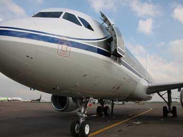 Лайнер А320 экстренно сел в США из-за угрозы теракта