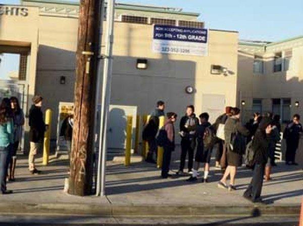 В Лос-Анджелесе школы закрыты из-за угрозы терактов