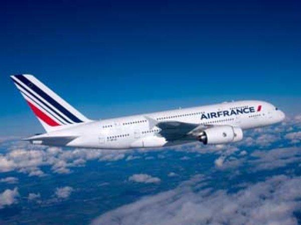 Лайнер Air France экстренно сел в Монреале из-за угрозы взрыва