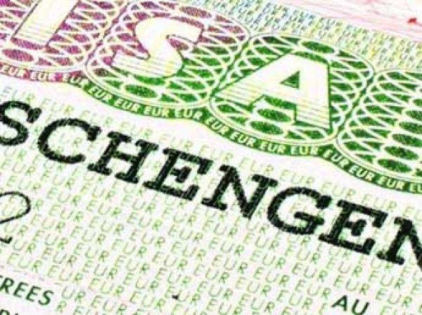 Еврокомиссия выступила за отмену виз с Украиной