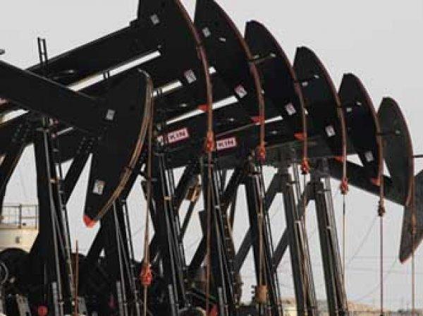 На торгах 14 декабря 2015 впервые с 2008 года нефть Brent рухнула ниже  за баррель