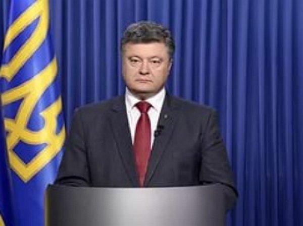 Порошенко одобрил введение контрсанкций против России