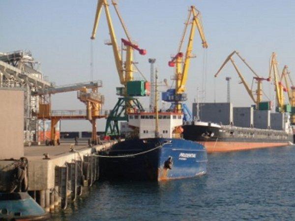 СМИ: Турция отпустила три российских корабля в порту Самсун