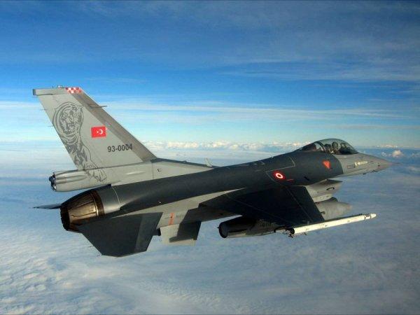 СМИ: после инцидента с Су-24 турецкие ВВС не нанесли ни одного удара по ИГИЛ