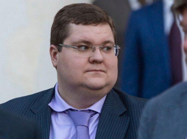 Кремль вручил сыну Чайки президентскую награду, зная о расследовании ФБК