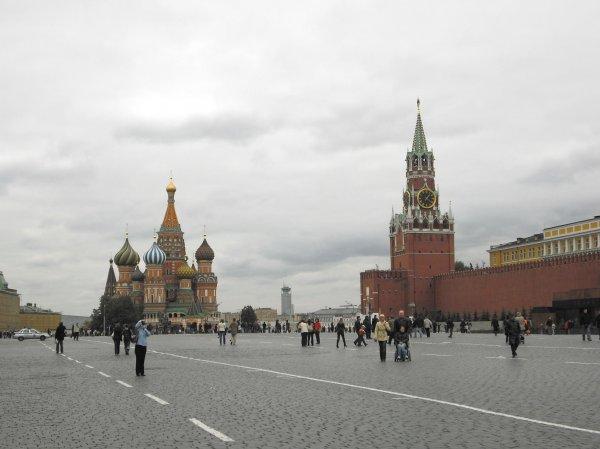 На Красной площади в Москве мужчина совершил попытку самосожжения