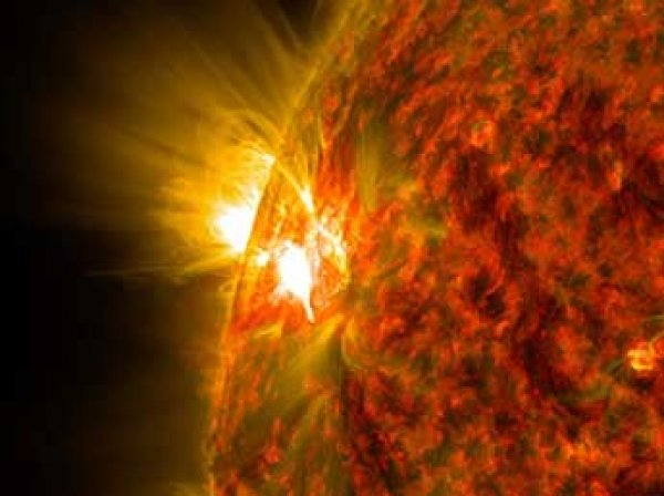 Ученые бьют тревогу: Солнце породит супервспышку, которая убьет жизнь на Земле
