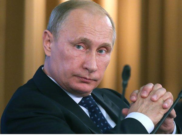 Путин ещё на один год урезал себе зарплату