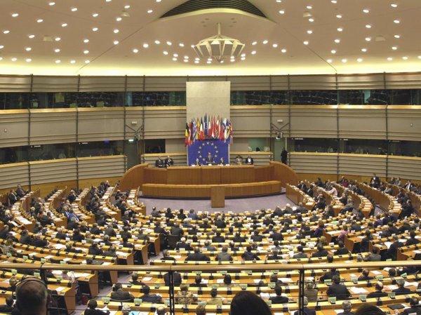 Европарламент может отменить санкций против России уже через полгода