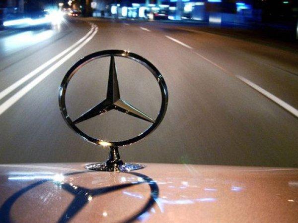 У безработного москвича угнали Mercedes-Benz за 9,7 млн рублей