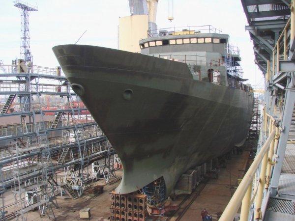 В Петербурге при взрыве на ремонтируемом корабле погиб человек