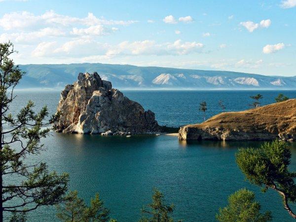 Китайцы построят на мелеющем Байкале завод по производству питьевой воды