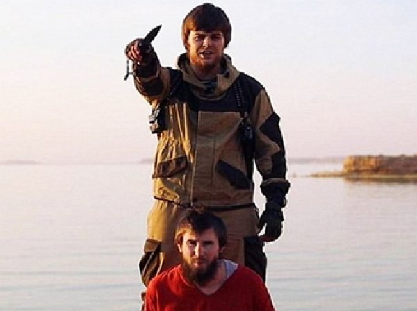 Установлена личность палача ИГИЛ казнившего россиянина