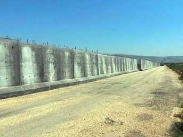 Турция отгородится четырехметровой стеной от Сирии