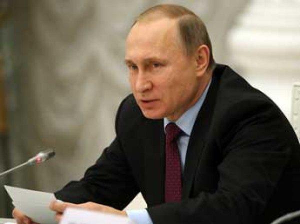 Bloomberg поставил Путину «двойку» за управление экономикой России