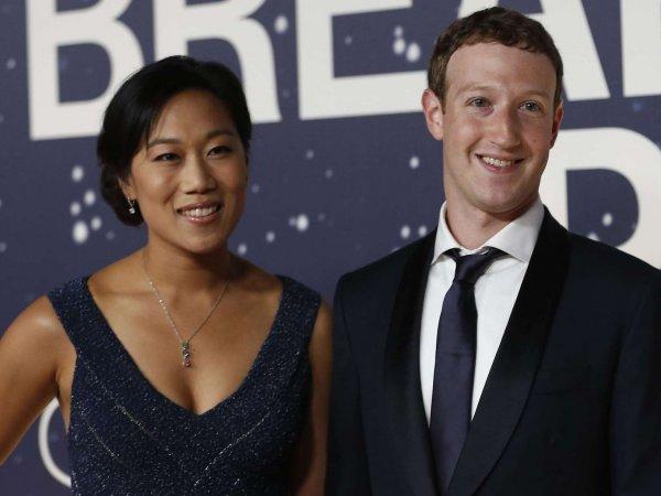 Цукерберг стал отцом и пообещал раздать акции Facebook на благотворительность