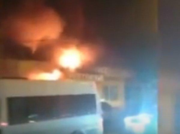 На юго-западе Москвы загорелось кафе