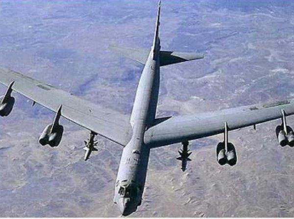 Стратегический бомбардировщик В-52 США совершил полет над Южной Кореей