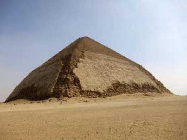 Ученые нашли частицы из космоса внутри пирамиды в Египте