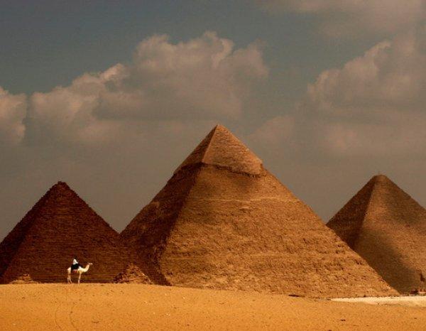 В Каире у гостиницы расстреляли туристов