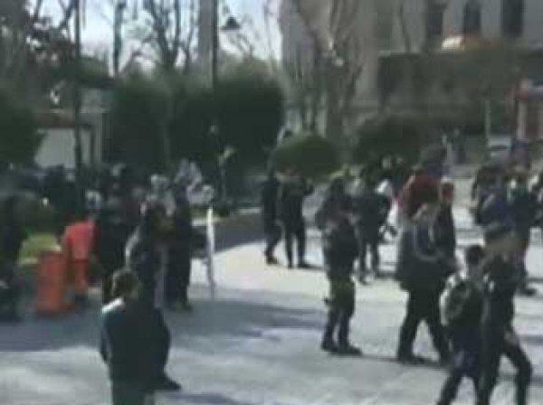 После теракта в Стамбуле власти Турции задержали трех россиян