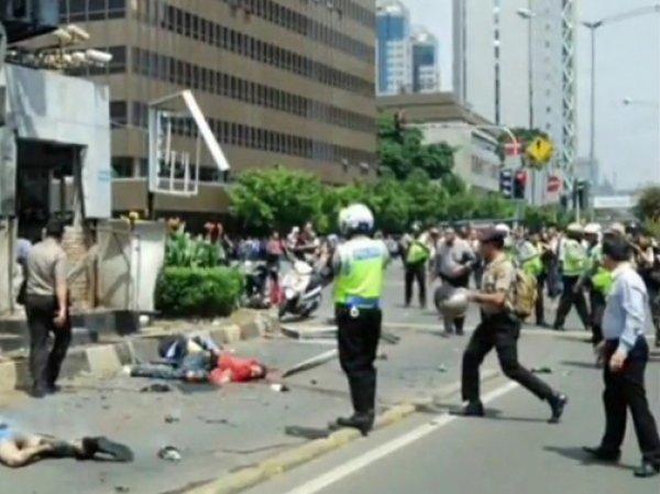 Взрывы в Джакарте 14 января 2016 привели к гибели как минимум 5 человек (ФОТО, ВИДЕО)