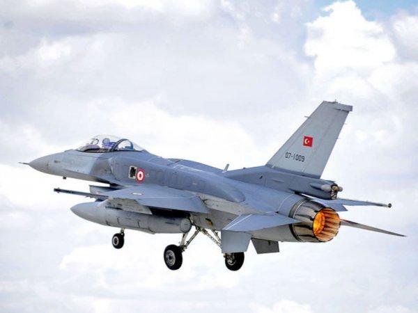Истребители ВВС Турции вторглись в воздушное пространство Греции