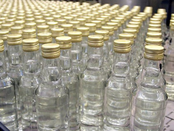 В Москве мужчина умер, выпив восемь бутылок паленой водки