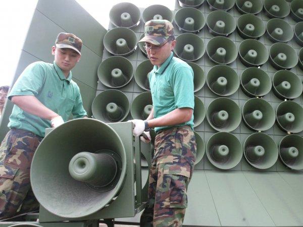 Южная Корея развернула пропагандистское вещание на КНДР