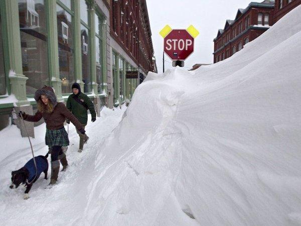 Снежная буря в США сегодня: жертвами непогоды стали 28 человек