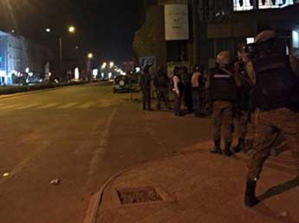 В ночь на 16 января 2016 исламисты захватили заложников в отеле Буркина-Фасо: есть жертвы (видео)