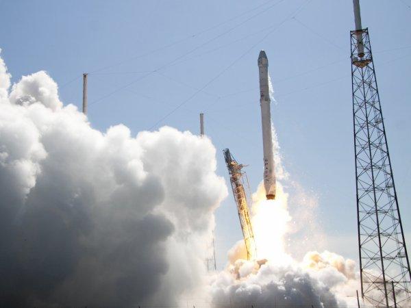 Falcon 9, посадка в океан прошла неудачно: фото и видео появились в Сети