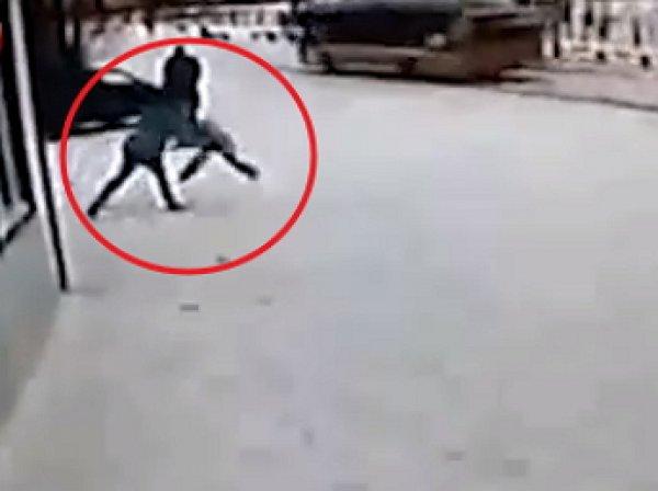 В ЯНАО неуравновешенная мать жестоко избила сына из-за неполученного пособия