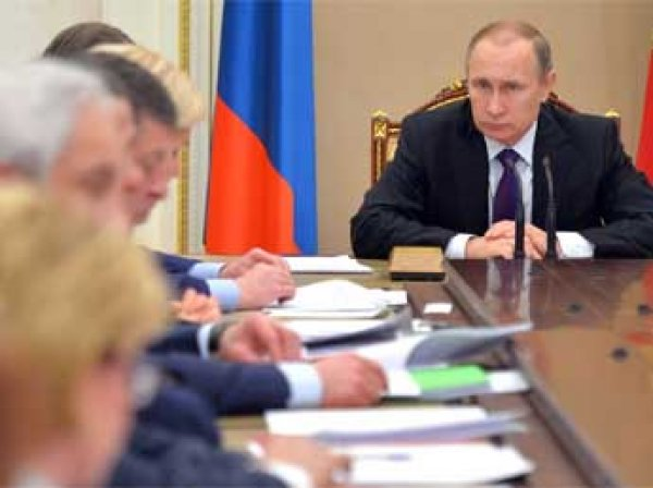 Путин процитировал Высоцкого и посоветовал Трутневу «не показывать бицепс»