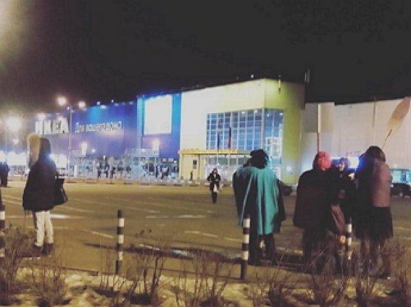 В центре Москвы из ГУМа проходит эвакуация  из-за угрозы взрыва