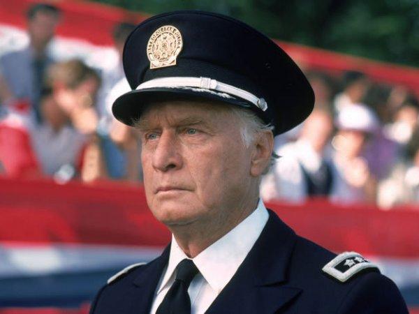"""Звезда """"Полицейской академии"""" Джордж Гейнс умер в возрасте 98 лет"""