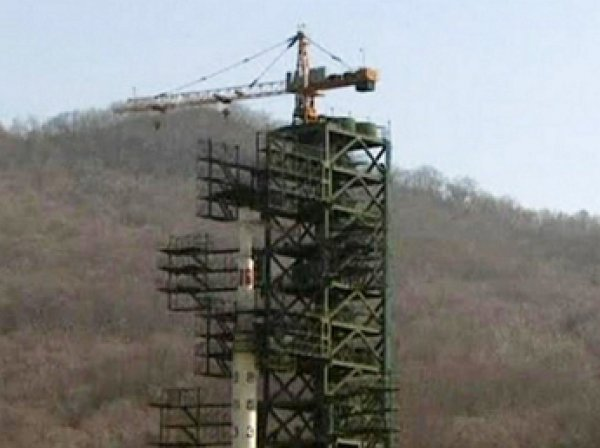 Власти КНДР намерены в феврале запустить собственный космический спутник