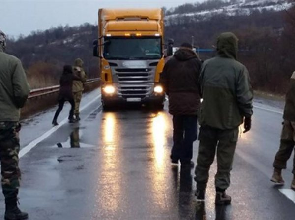 """Украина: Киев не позволит  России """"просто так"""" провозить грузы"""