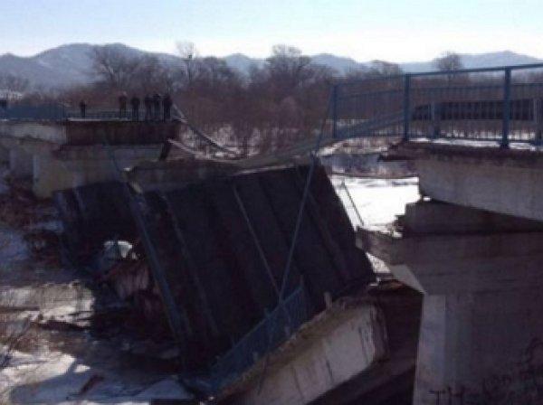 В Приморье обрушился мост: опубликовано видео с места происшествия