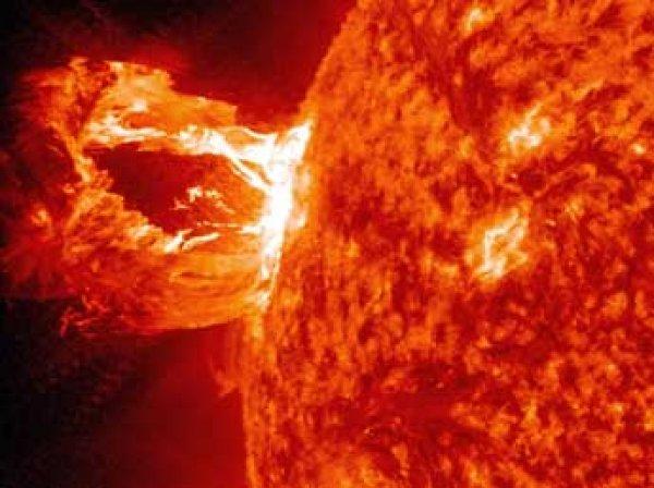 Астрофизики сообщили о супервспышке на Солнце, которая уничтожит человечество