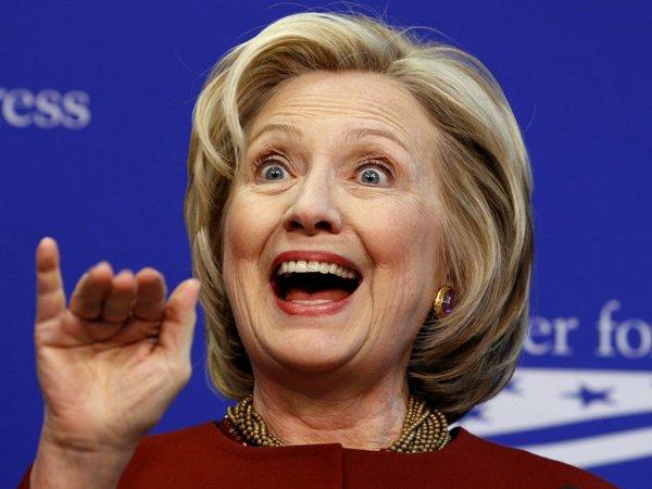 Эксперты разглядели на лице Хилари Клинтон следы пластических операций
